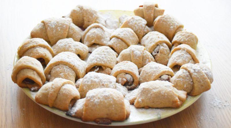 Песочное печенье на сметане, с начинкой из фиников