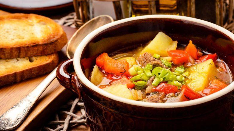 «Бограч» или венгерский гуляш - вкусный густой и наваристый суп