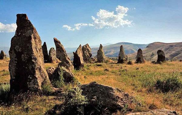 Один из древнейших и загадочнейших мегалитов мира — Караунж. Армянский Стоунхендж?