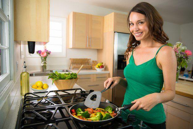 Как бороться с запахом жареного в доме: 6 советов