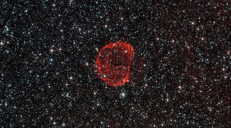 Почему на снимках из космоса не видны звезды?