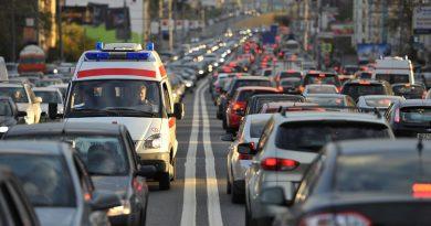 Подсчитано, сколько времени водители тратят на пробки в разных городах