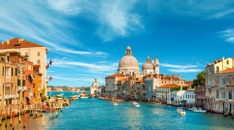 Из Венеции с нелюбовью. Города, где ненавидят туристов