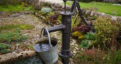 Водоснабжение на вашем садовом участке: колодец или скважина