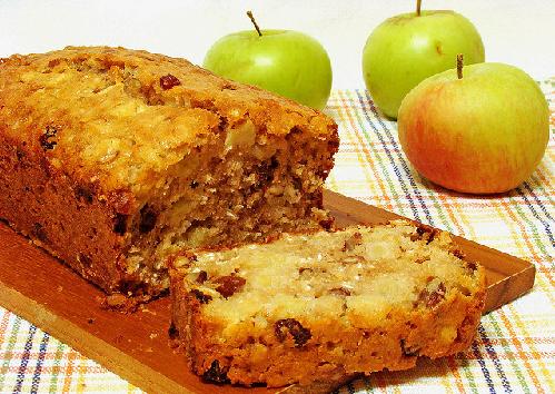 Яблочный кекс с грецкими орехами