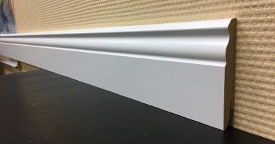 Какие бывают размеры напольных плинтусов — длина и ширина!