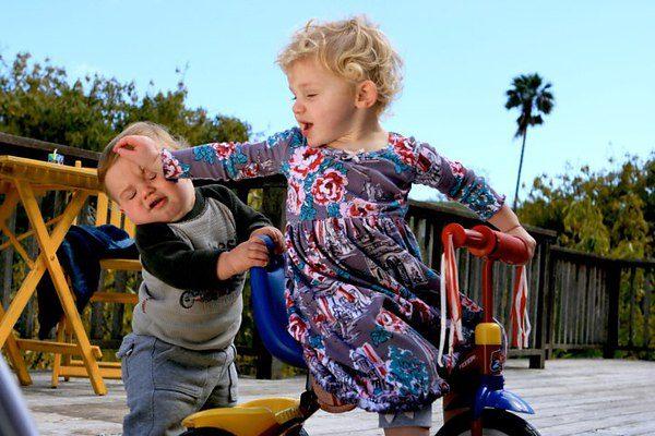 10 конфликтных ситуаций на детской площадке.