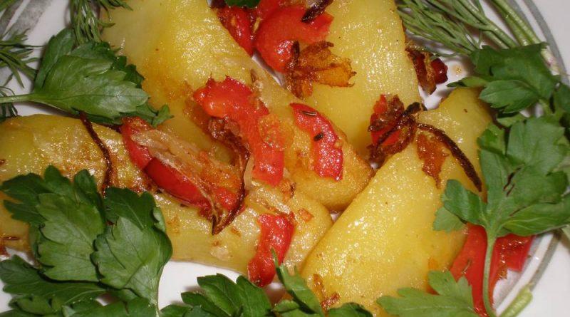Острая картошка с болгарским перцем