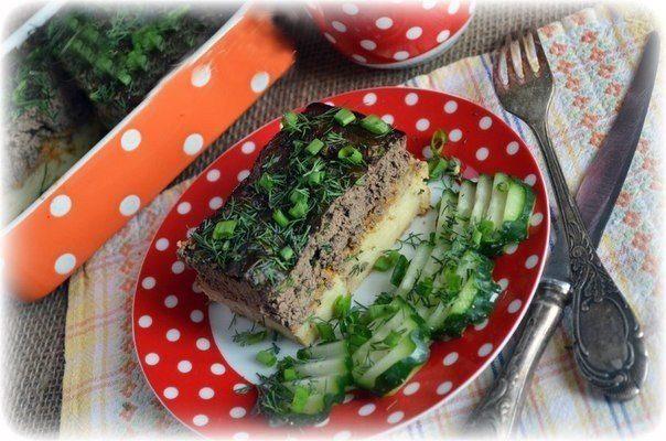 Запеканка из картофеля и печени с овощами