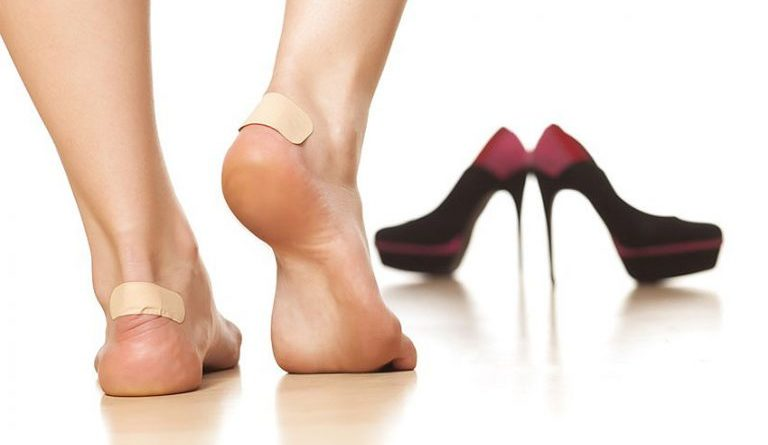 Как смягчить задники туфель?