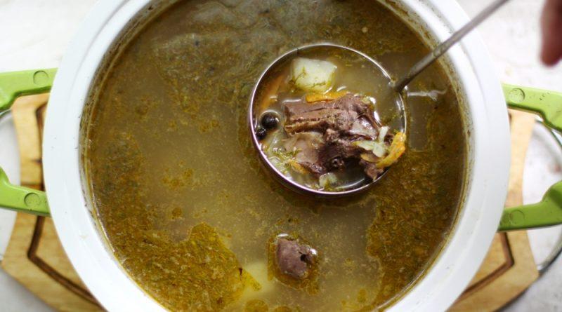 Суп с уткой и печёным картофелем.