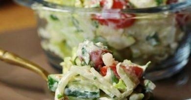 Легкий слоеный салат на ужин