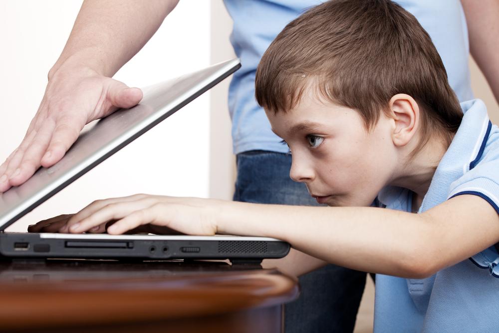 Смотреть онлайн дашу отвлекли от компа