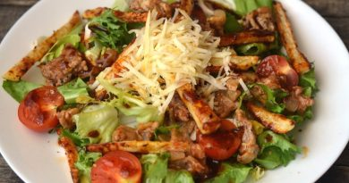 Салат с фаршем и овощами Чизбургер