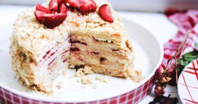 """Клубничный торт """"Наполеон"""""""