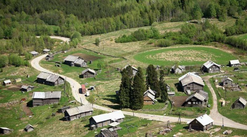 «Драгоценная земля»: как живет самая красивая деревня страны
