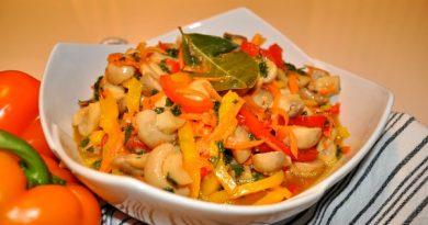 Маринованные грибы с овощами