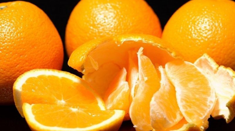 Чем вывести пятна от апельсина в домашних условиях?