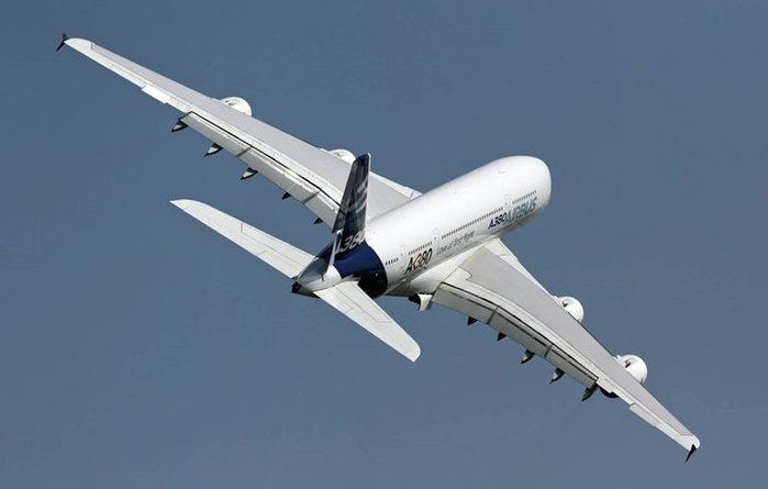Причины, из-за которых большинство самолетов красят в белый цвет