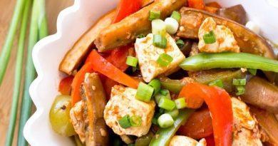 Баклажаны и тофу в чесночно-томатном соусе