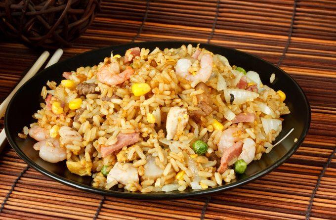 Идея для ужина: жареный рис по-китайски