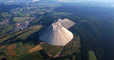 Удивительная соляная гора в Германии.