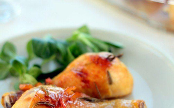 Курица, запеченная с мармеладом и корицей
