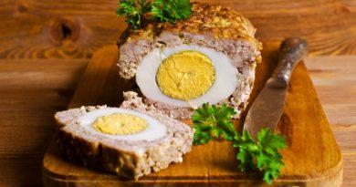 Вкусный мясной рулет с яйцом