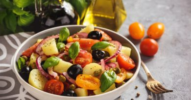 Картофельный салат с оливками и каперсами