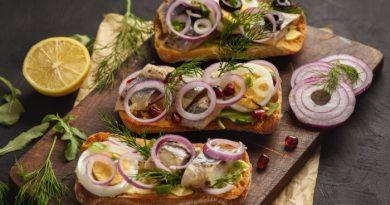 Сэндвичи с сельдью и яйцом