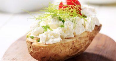 Печеный картофель с творогом