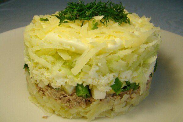 Салат из рыбы консервированной
