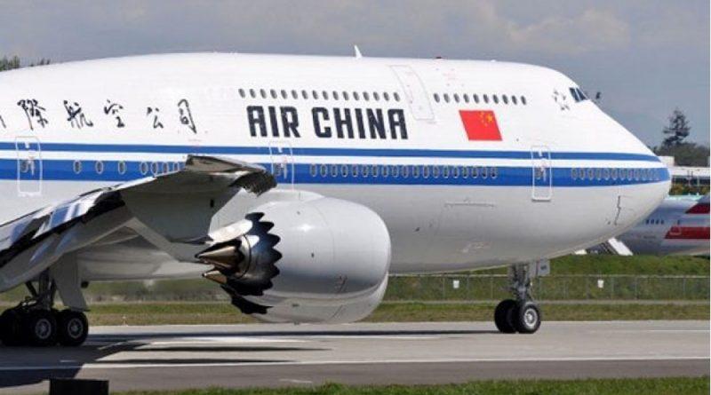 Закуривший в самолете пилот оставил пассажиров без кислорода