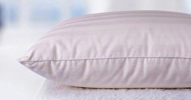 Как отстирать пожелтевшие подушки