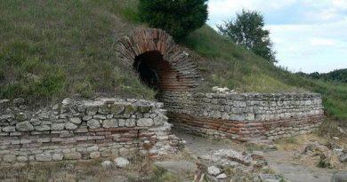 Гробница в Поморие