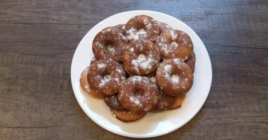 Мини-пончики с сахарной пудрой