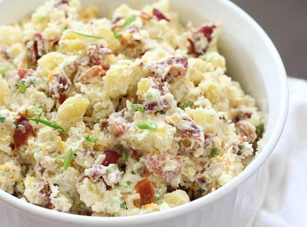 Картофельный салат с жареным беконом