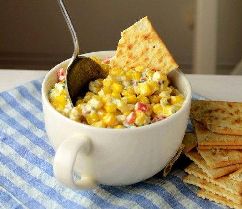 Кукурузный салат с брынзой