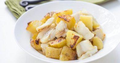 Запеченная треска с картошкой