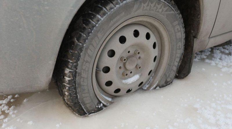 Что делать, если припарковался в луже, а она замерзла