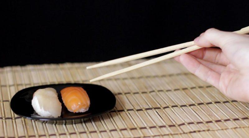 Почему на Востоке едят палочками