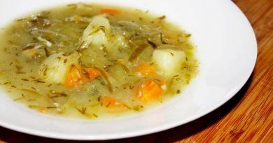 Куриный суп с солеными огурцами