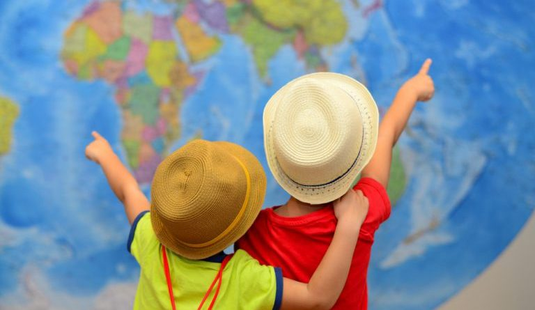 10 стран, куда удобно путешествовать с детьми