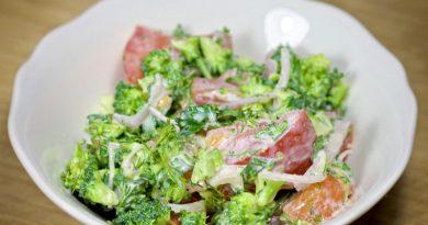Салат из помидоров и брокколи