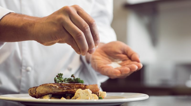 Как правильно солить блюда