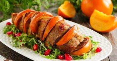 Свинина запеченная (с хурмой)