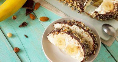 Банановый десерт с творогом и шоколадом