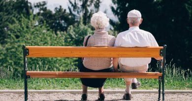 5 небогатых стран, где пенсии в разы больше российских