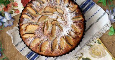 Творожный пирог с маком и яблоками