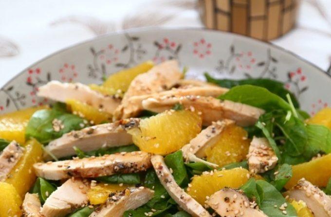 Куриный салат с кешью и мандаринами